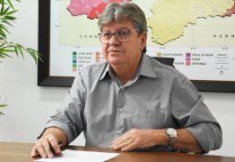 GIRA MUNDO: João Azevêdo participa do pré-embarque dos estudantes selecionados