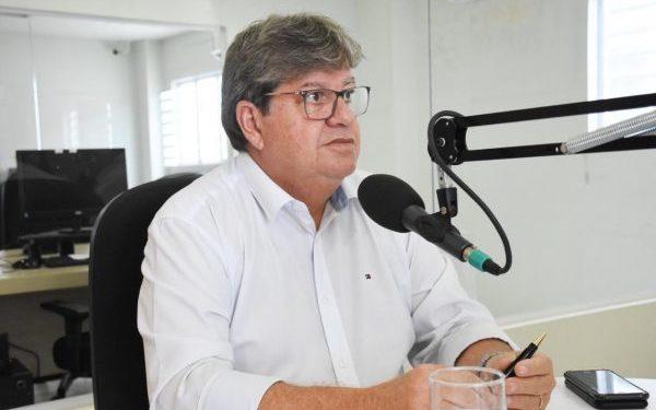 """joao entrevista 600x375 - """"2022 ainda está muito longe"""" ressalta João Azevêdo sobre possível reeleição, apesar de reforçar """"paixão por gestão"""""""