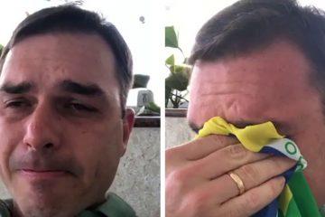 original 3454 1548076327 3 360x240 - Carlos toma remédios para controlar humor e preocupa Bolsonaro, diz jornalista