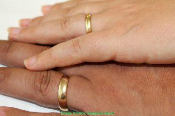 otimo imagens de maos com aliancas de casamento aliancas de casamento usp imagens banco de imagens d 2437 360x240 - Conviventes podem converter união estável em casamento nas unidades judiciais e extrajudiciais