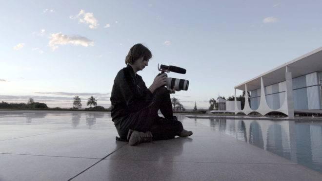 petra costa palacio alvorada democracia vertigem 660x372 - Documentário brasileiro sobre o Impeachment de Dilma é indicado ao Oscar