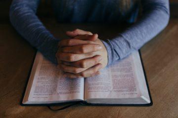 pexels photo 27633 360x240 - 'PREFIRO TE VER MORTA': Ex Testemunhas de Jeová relatam punições a quem deixa de seguir religião ou comete pecados