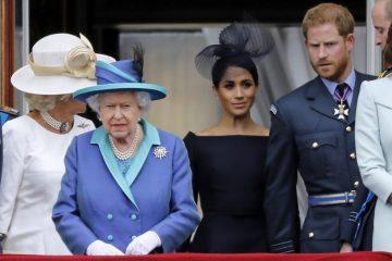 rainha elizaeth ii 360x240 - 'Grande tristeza', lamenta Harry por deixar funções na família real