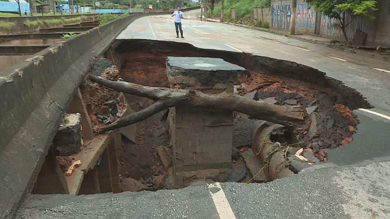 tereza cristina 1 - Parte de BH amanhece destruída após chuva torrencial; MG tem 53 mortos em 6 dias