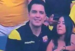 ARREPENDIDO?: Torcedor que viralizou ao ser flagrado na 'câmera do beijo' pede perdão à mulher