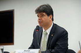 """""""Fala, João Pessoa"""": Ruy Carneiro ouve população sobre os problemas da cidade"""