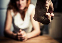 Homem é condenado a dois anos e dois meses de prisão por agredir a esposa, em Pombal