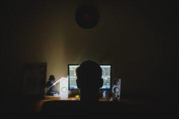 work 933061 1280 1024x682 360x240 - ESTUPRO VIRTUAL: abuso pela internet entra na mira da polícia no Brasil