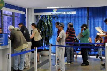 010756 5e19e4c9924bf fila inss agencia basil Ant 360x240 - Paralisação de concursos públicos gerou 'apagão' no INSS