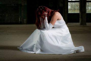 Cunhada vomita na mesa de presentes, estraga casamento, apanha da noiva e noivo cancela casamento – ENTENDA
