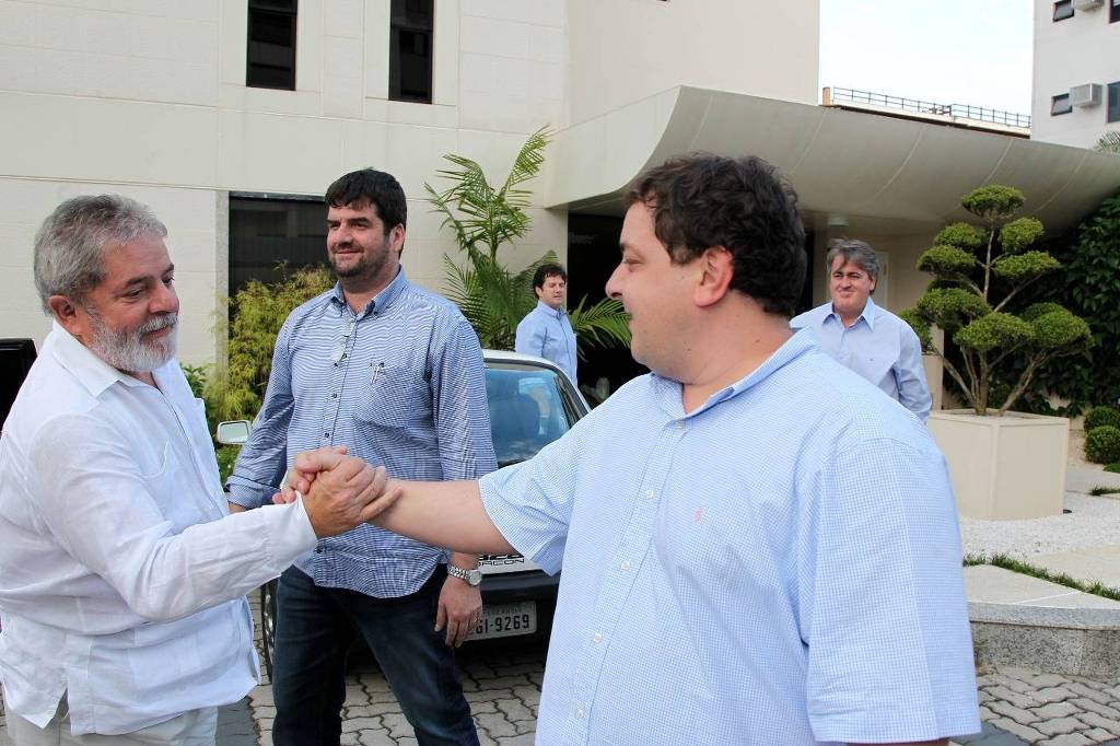 15762712645df3fda0b4bb5 1576271264 3x2 lg - OI X FILHO DE LULA: Empresa quer que Fábio devolva quase R$7 milhões que foram 'emprestados' em 2006