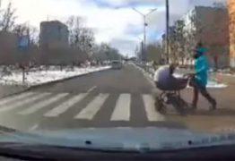 Motorista bêbado atropela bebê de três meses em carrinho