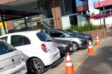 Empresarial é autuado pelo Procon-JP por usar calçada rebaixada como espaço privado