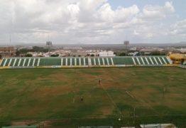 FEZES E SAPOS NO VESTIÁRIO: Treinador do Treze se revolta com as condições do Estádio Marizão