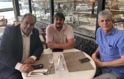 RICARDO CORTINHO PSB - Ao lado de Fábio Maia, Ricardo Coutinho reaparece e participa de reunião para definir estratégias do PSB
