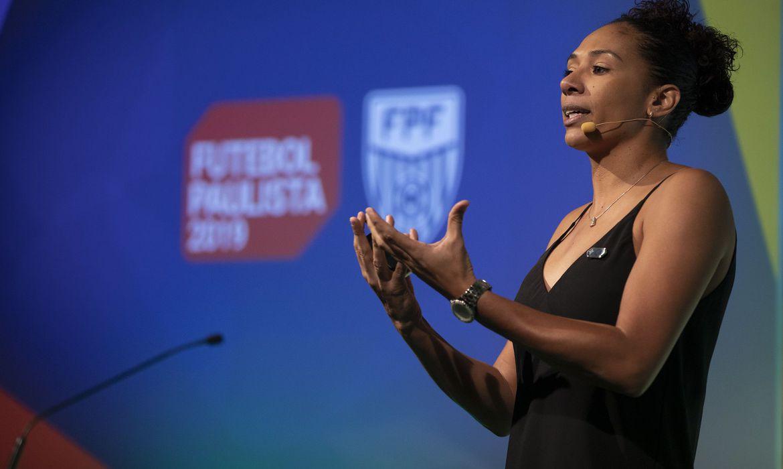aline - Ex-capitã diz que a geração atual do futebol feminino é melhor