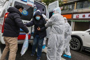 ap20026827065654 360x240 - China muda metodologia, e epicentro do coronavírus registra 242 mortes e 14,8 mil casos em 1 dia
