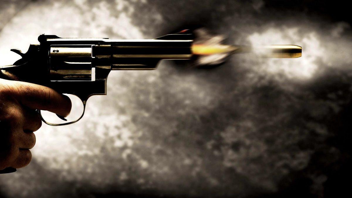 arma de fogo 6 - Homem é assassinado com 15 tiros e mãe fica ferida em ataque a tiros em João Pessoa