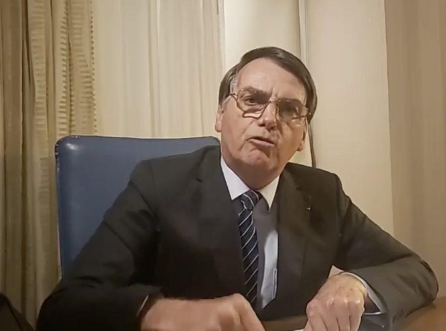 bolsonaro live 2 868x644 - O porteiro mentiu: Polícia Civil do Rio desmente versão de funcionário que citou Bolsonaro no 'caso Marielle'