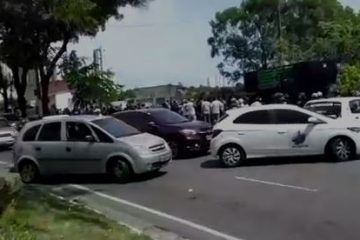 CONGESTIONAMENTO E ACIDENTES: Manifestação da segurança pública causa caos em principal via da capital – VEJA VÍDEO