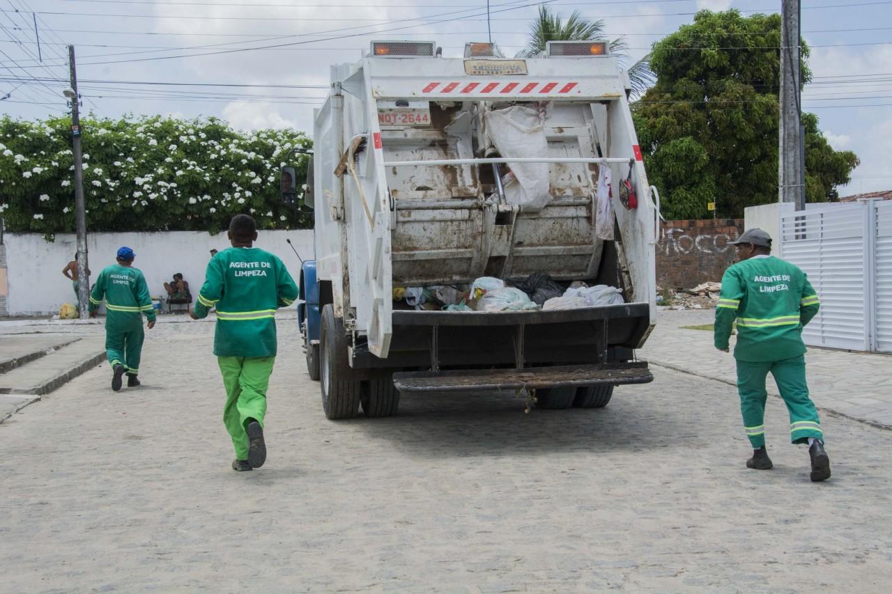 caminhão de lixo foto emlur - Coleta de lixo domiciliar em João Pessoa tem novos dias e horários em quatro bairros