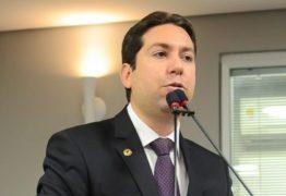 """Felipe Leitão defende CPI e reclama de """"chá de cadeira"""" de secretários"""