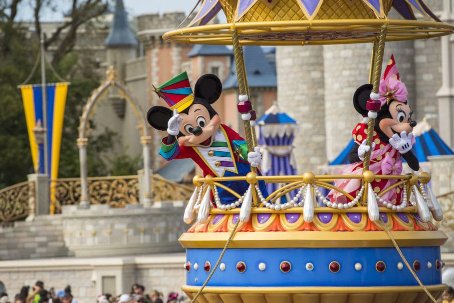 Empresa provoca Paulo Guedes e vai levar doméstica à Disney