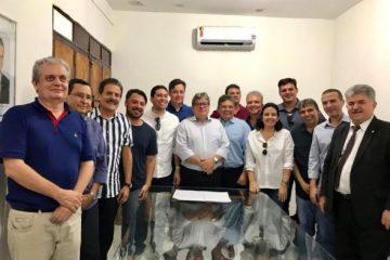 G11 pede a Adriano Galdino o arquivamento de impeachment contra João Azevêdo e Lígia Feliciano