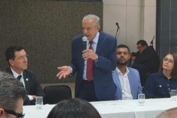 prefeito 360x240 - Prefeitura de Goiânia anuncia concurso público com mais de 1,6 mil vagas