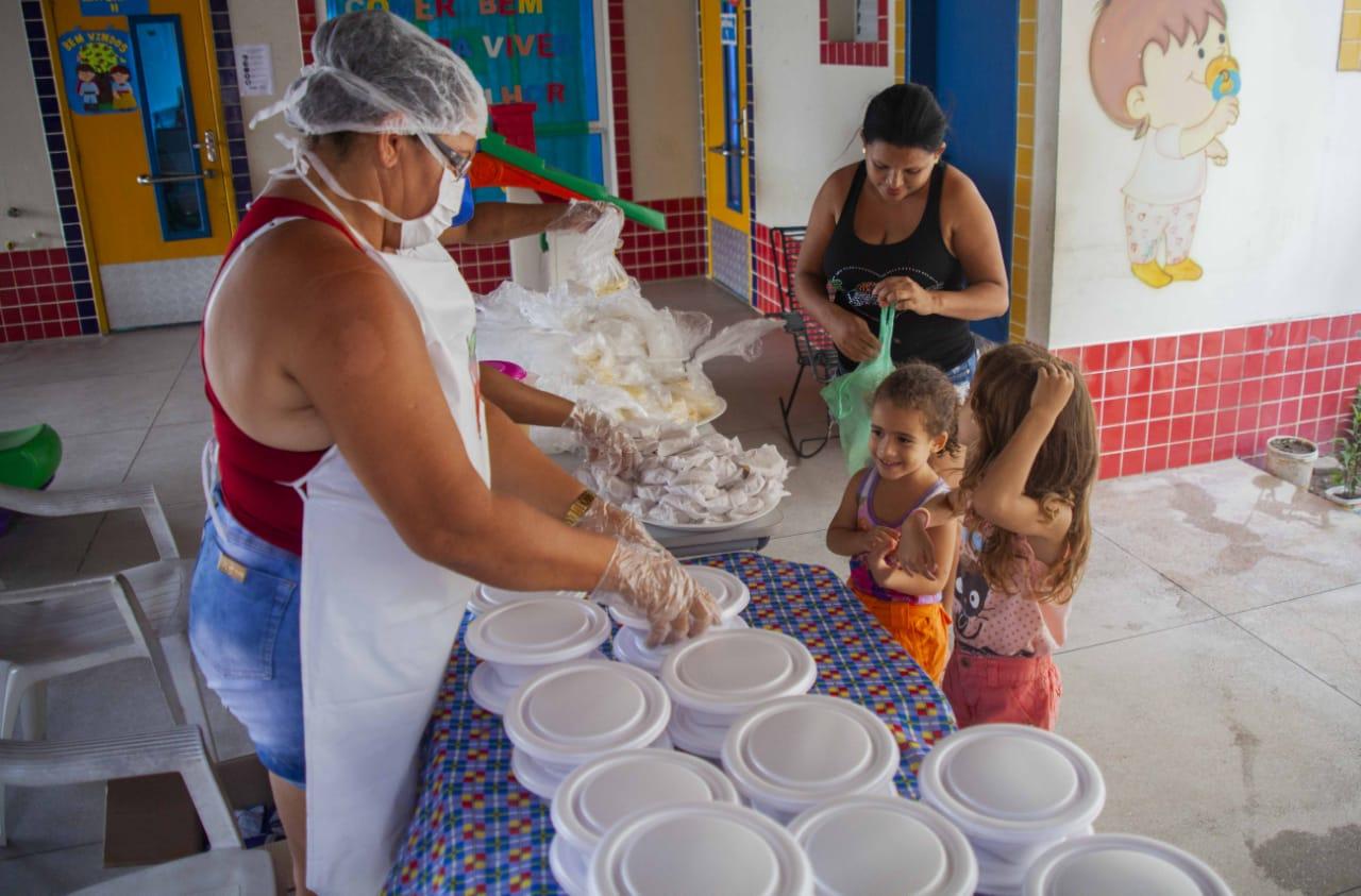 WhatsApp Image 2020 04 17 at 10.20.06 - Luciano Cartaxo amplia fornecimento de refeições para alunos da Capital e medida de segurança alimentar passa a beneficiar 35 mil estudantes