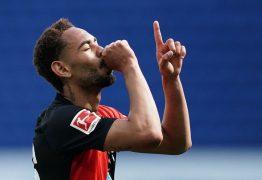Paraibano Matheus Cunha estreia partida do torneio alemão com golaço e celebra com dedicatória ao filho que vai nascer