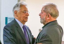 Lula defende impeachment de Bolsonaro, enquanto FHC afirma que mantê-lo no cargo é melhor pro Brasil
