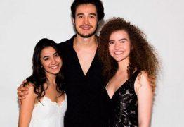 Fãs da dupla Anavitória criticam Tiago Iorc após descobrirem que músico as estaria impedindo de regravarem sucesso