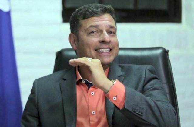 Vitor Hugo 696x453 696x453 1 - Cabedelo: MDB ingressa com AIJE contra Vitor Hugo por suposto abuso de Poder Econômico
