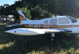 Polícia apreende avião com 470 kg de cocaína e prende 4 pessoas em fazenda