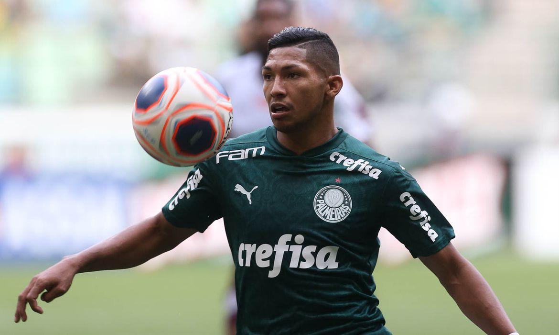 49632631482 ea90477f89 o - PUNIÇÃO: Atacante do Palmeiras é suspenso pela Fifa - ENTENDA