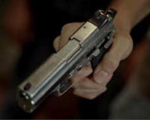 arma - Moraes suspende portaria de Bolsonaro que dificulta rastreio de armas