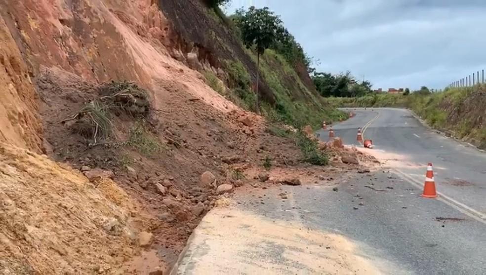 barreira deslizou - Defesa Civil monitora barreiras de João Pessoa para prevenir acidentes