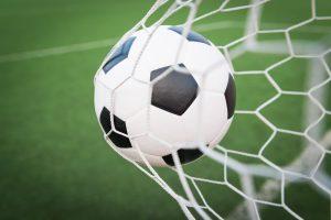 bola no gol 300x200 - CAMPEONATOS BRASILEIROS: Partidas agitam os campos neste final de semana