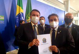 CONVITE DE BOLSONARO: Efraim Filho confirma presença em café da manhã líderes para anunciar prorrogação do auxílio emergencial e Renda Brasil