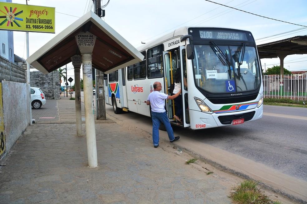 bus - Oito linhas de ônibus ganham reforço em horários de pico na segunda-feira; confira