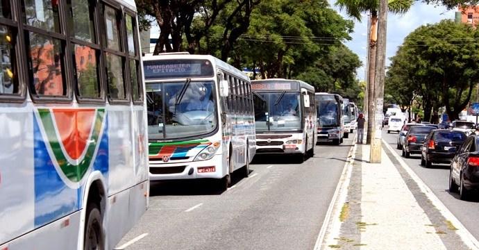 só onibus - Semob-JP amplia horário do transporte coletivo para atender trabalhadores do comércio a partir desta terça-feira (27)