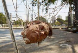 Grupo sofre ameaça de morte após usar 'cabeça' de Bolsonaro, em pelada