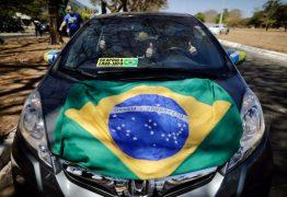 Manifestantes realizam carreata pró-Lava Jato em Brasília