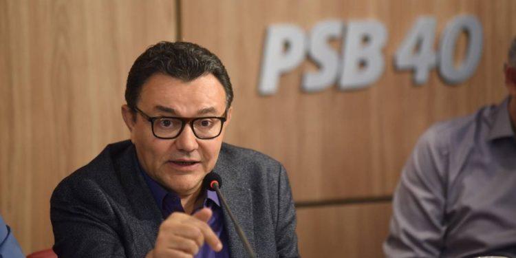 carlos siqueira 750x375 1 - Siqueira promete vir à Paraíba assinar possível retorno de João Azevêdo ao PSB: 'só depende dele'