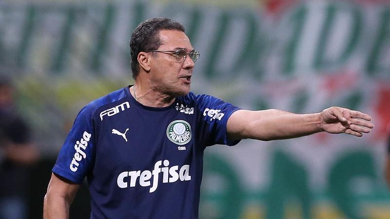 16835 87A4B0C605B9A57D - Após terceira derrota consecutiva, Palmeiras demite Vanderlei Luxemburgo