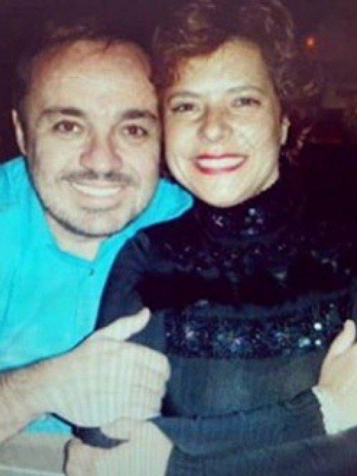 1 11 20346215 - Rose Miriam, viúva de Gugu Liberato, posta imagens do apresentador; veja