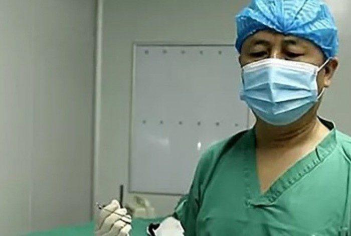 1 891daaejc96sp56jktsfwzfb3 20321400 - Médicos removem parasita gigante da cabeça de criança