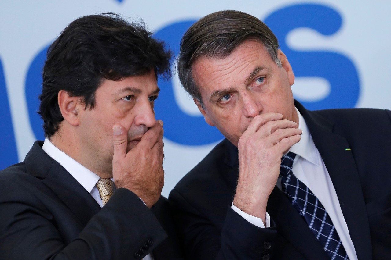 """2342 6AEF6D36E707A82A - """"Minha vontade é pegar um trezoitão e cravar neles"""", disse Mandetta sobre filhos de Bolsonaro, segundo ex-assessor"""