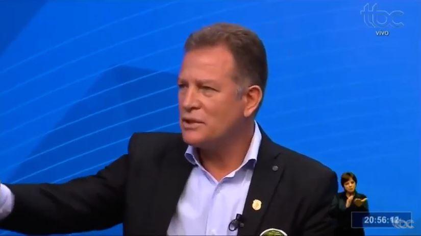 """Capturar.JPGee  - """"17 TÁ FORA!"""": Major Araújo abandona debate dos candidatos a prefeito de Goiânia - VEJA VÍDEO"""